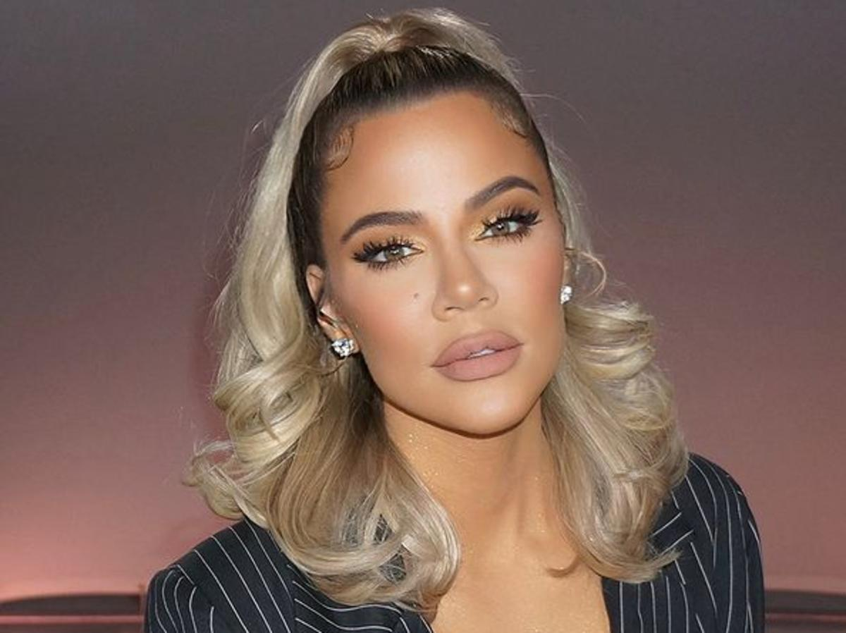 Khloe Kardashian Shows Off Her Flawless Figure In Another Topless Photo