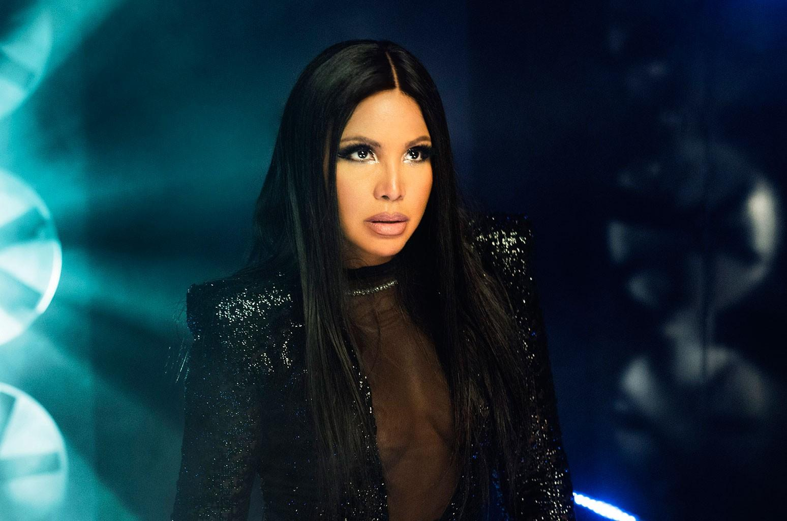 Toni Braxton Sends Love To Fans For Christmas - See Her Video