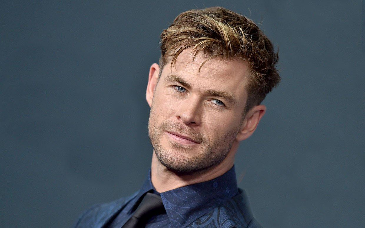 Chris Hemsworth's Fans Can't Get Over His Defined Abs You Can See 'From A Mile Away!'