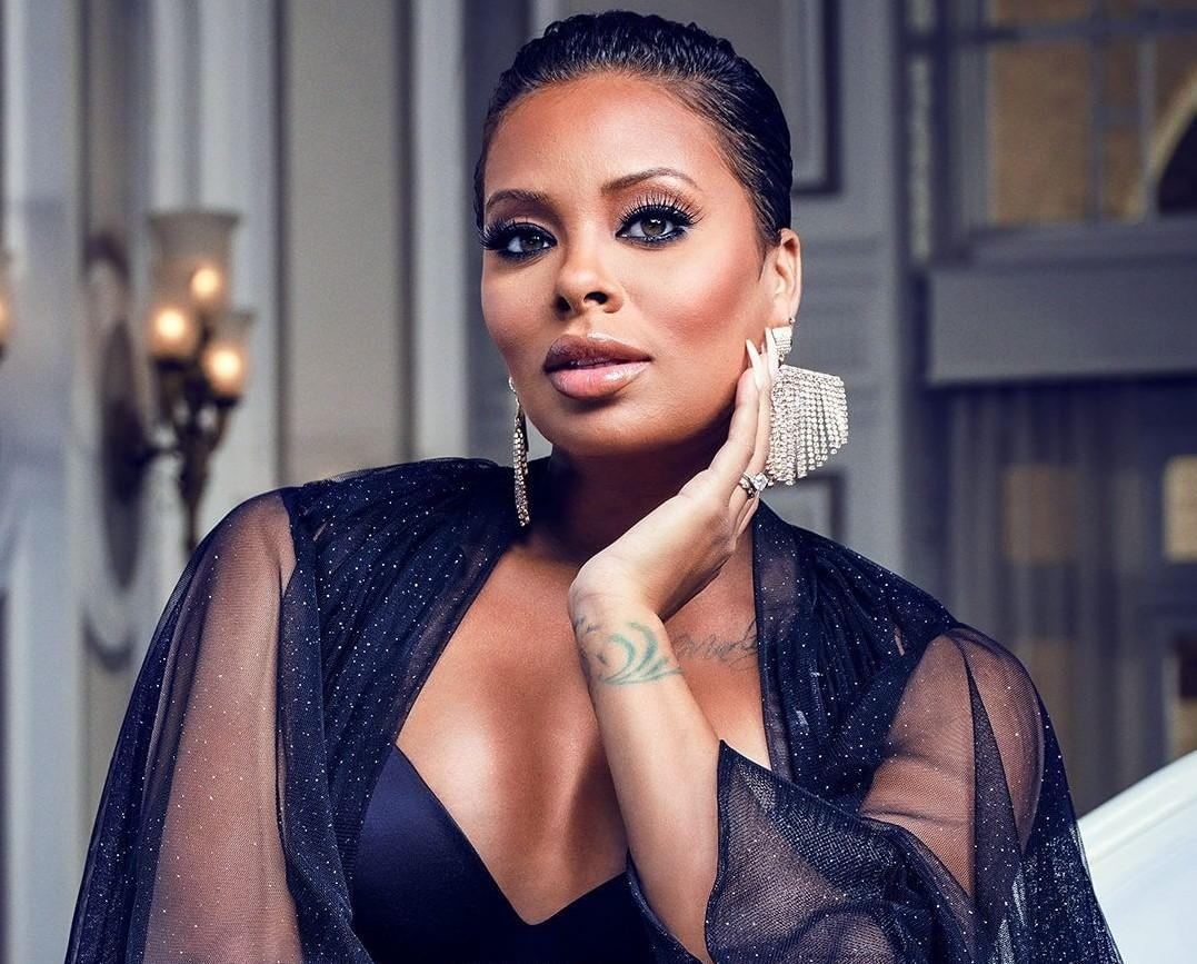Eva Marcille Shows Off Her Perfectly Flawless Face In This Clip