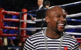 50 Cent Slams Floyd Mayweather After He Shares Picture Of His New Alleged Beard Transplant