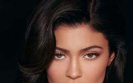 KUWTK: Kylie Jenner Unfollows Her Friends On Social Media, Including Sofia Richie And Fans Are Freaking Out!