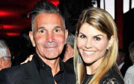 Is Lori Loughlin Filing For Divorce From Mossimo Giannulli?