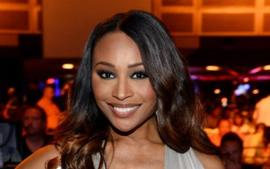 Cynthia Bailey Shares A Controversial Photo From The Airport That Has Fans Talking
