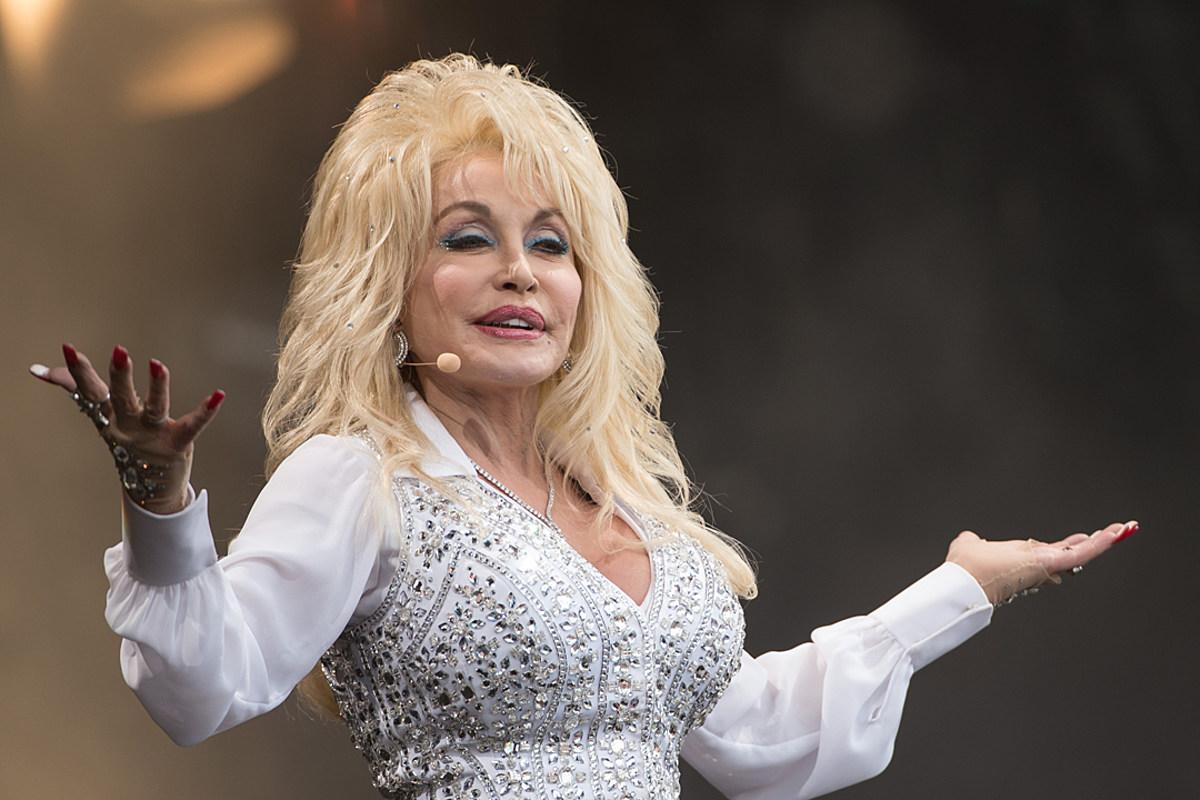 Dolly Parton Fans Praise Her For Turning Down Medal Of Freedom Honor From Donald Trump Twice - Here's Why!