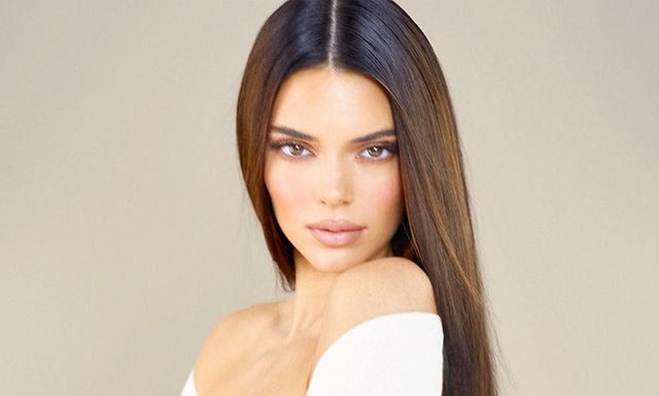 Kendall Jenner Flaunts Her Flawless Figure In Heavy Manners Two-Piece Bathing Suit