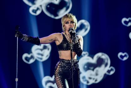 Miley Cyrus Raves About The Single Life Months After Her Cody Simpson Split!