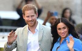 Buckingham Palace Releases Statement Saying That Meghan And Prince Harry Can't Fulfill Royal Duties Anymore