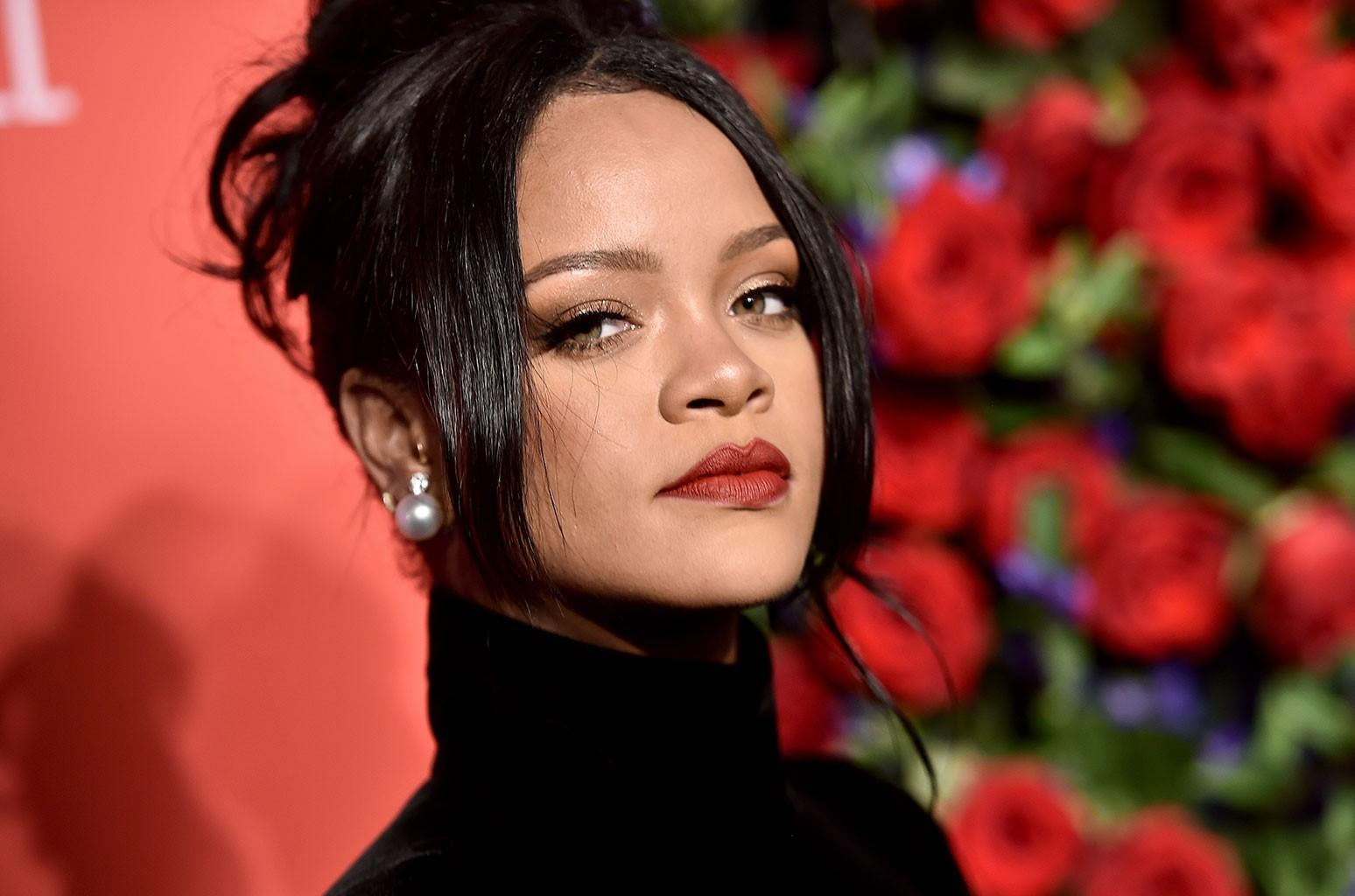 Rihanna Drops Her Clothes And Shows Out For The 'Gram - See The Photo That Has Fans Losing Their Minds