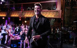 Robin Thicke Defends 'Blurred Lines' Again And Says He Takes The Criticism With A 'Grain Of Salt'