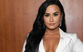 Demi Lovato Talks About Motherhood Plans But Has No Desire To Be Pregnant!