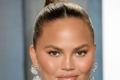 Chrissy Teigen's Fans React To Her Leaving Twitter