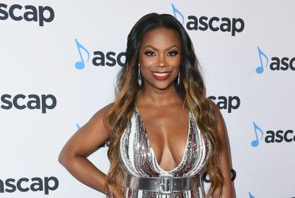 Kandi Burruss Is Enjoying A Little Sun During Her Work Trip - See Her Photo Here