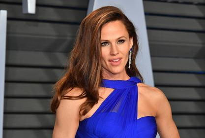 Jennifer Garner Swears Off Plastic Surgery — She's The Real Deal