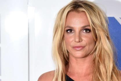 Britney Spears Shouts Out The Fans Concerned About Her!
