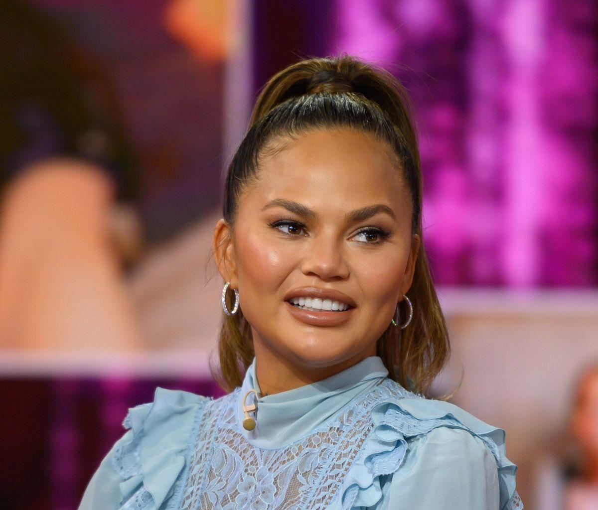 Chrissy Teigen Calls Out The 'Tacky' Women Who Exposed Ben Affleck And Matthew Perry For Using Celebrity App Raya
