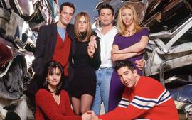 Lisa Kudrow Reveals She Thought 'Friends' Would Air For Much Longer Than 10 Seasons!