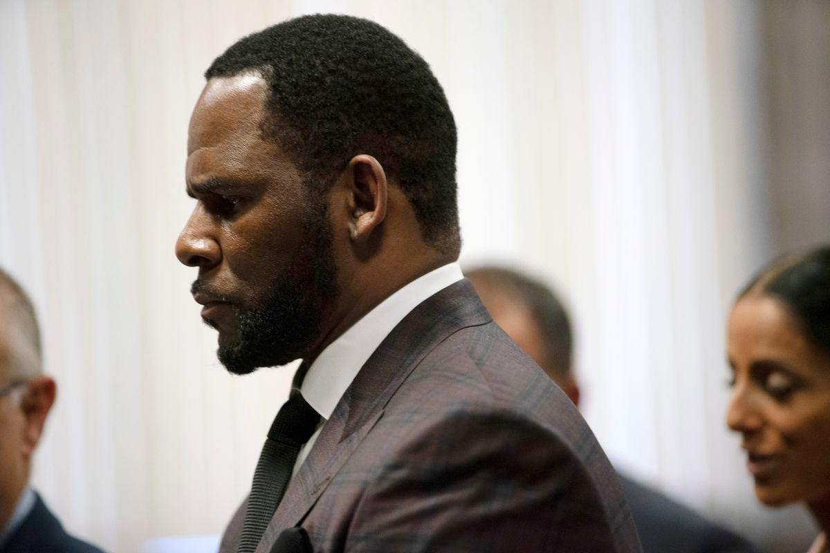 R. Kelly's Lead Attorneys File Paperwork To Withdraw From The Case