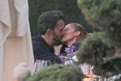 Jennifer Lopez And Ben Affleck Pack The PDA During Outing With Their Kids Amid Reunion Reports!