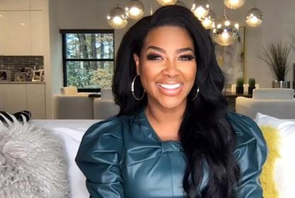 Kenya Moore Is Flaunting Her Natural Hair For The 'Gram