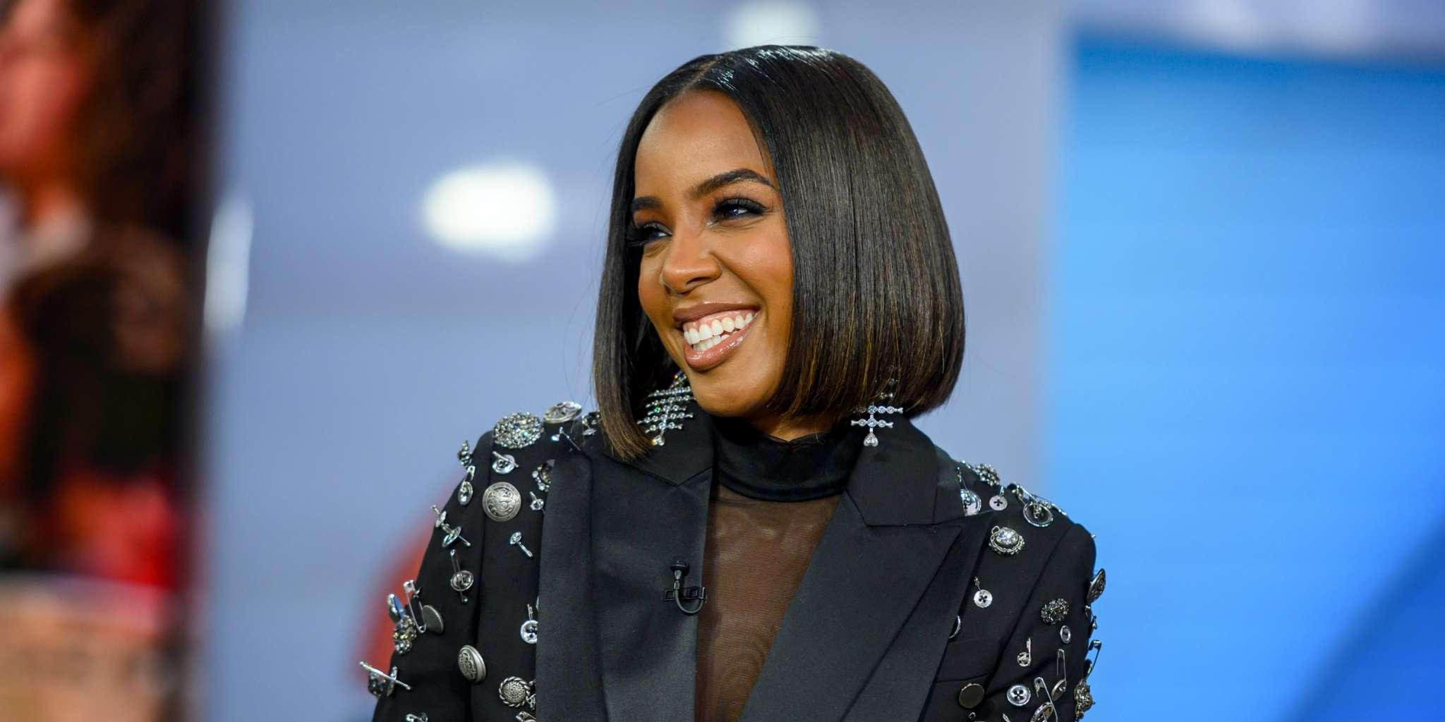 Kelly Rowland Stuns In Black Swimsuit Only 5 Months After Having 2nd Child - Pic!