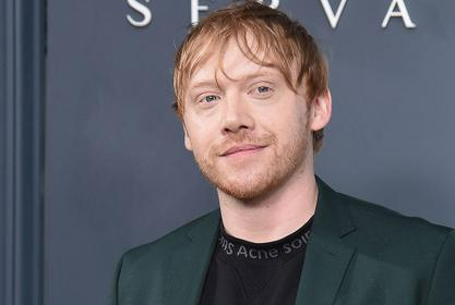 Rupert Grint Photographed Carrying His Little Daughter In His Arms On Set!