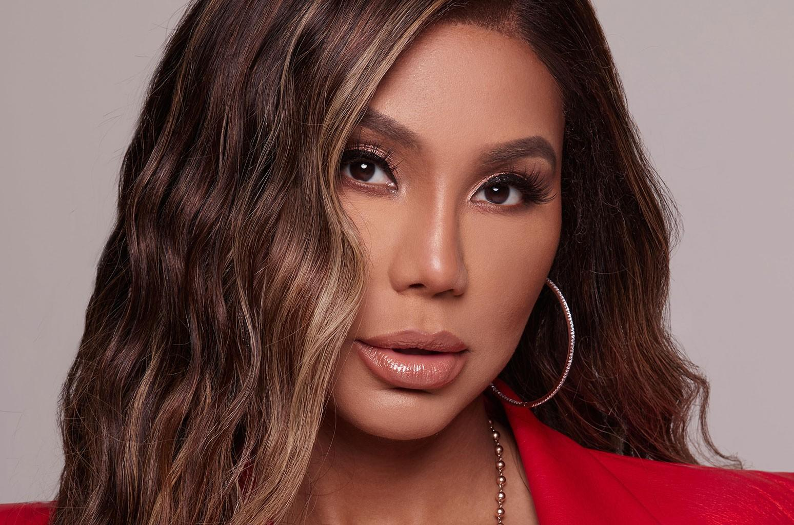 Tamar Braxton Looks Stunning In Elegant Bustier Dress And Fans Can't Get Over Her 'New Glow'