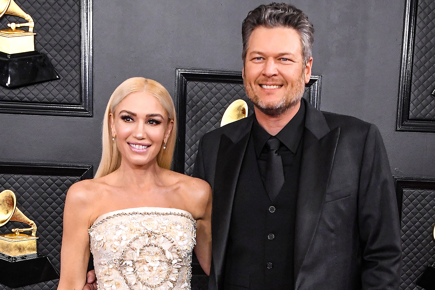 Gwen Stefani And Blake Shelton 'Exploring Their Options' To Have A Baby