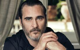 Joaquin Phoenix Looks Nothing Like Himself On Set Of Upcoming Movie - Check Out The Shocking Transformation!