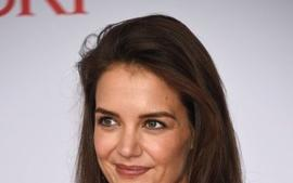 Katie Holmes Shows Off How Flexible She Is For New Photoshoot!