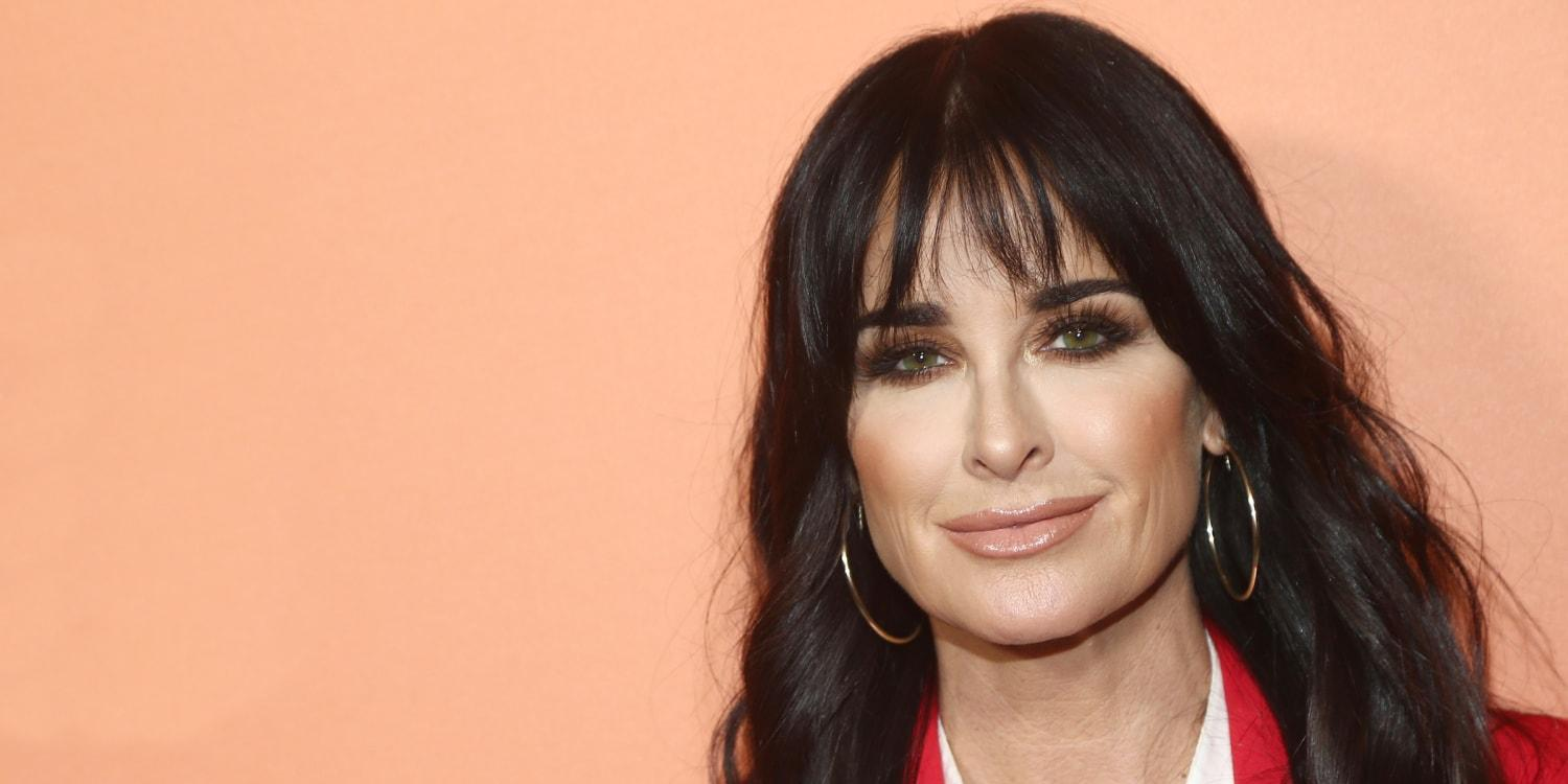 Kyle Richards Poses In This Tiny Swimsuit To Make Drake 'Thirsty' - Pic!
