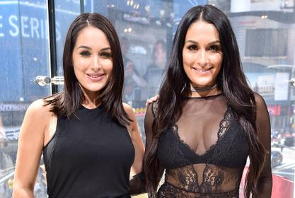 Nikki And Brie Bella Show Off Their New Identical Haircuts!